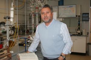 Dr. Iván Brito Bobadilla.