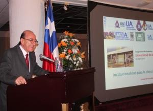 """Jorge Babul, presidente del Consejo de Sociedades Científicas de Chile , dictó la clase magistral """" Institucionalidad para la Ciencia"""", en el marco de la ceremonia"""