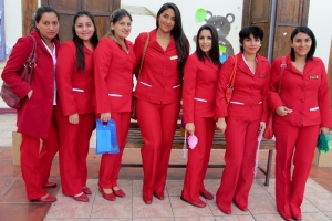 """El grupo de extensión """" Matronas-Matrones en Acción"""" está conformado por estudiantes d ela carrera de Obstetricia y Puericultura de la UA"""