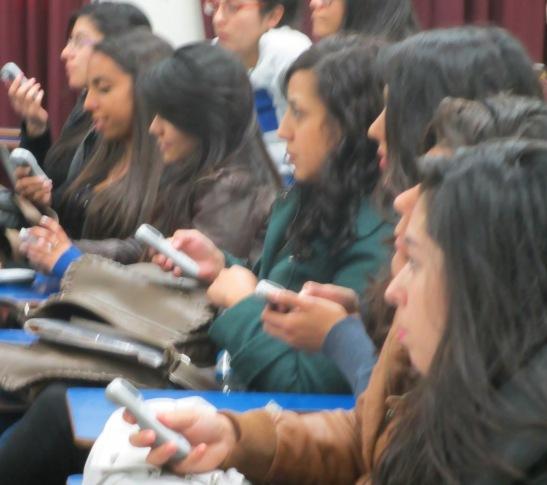 Las tecleras permitirán una interacción más dinámica entre los estudiantes y académicos