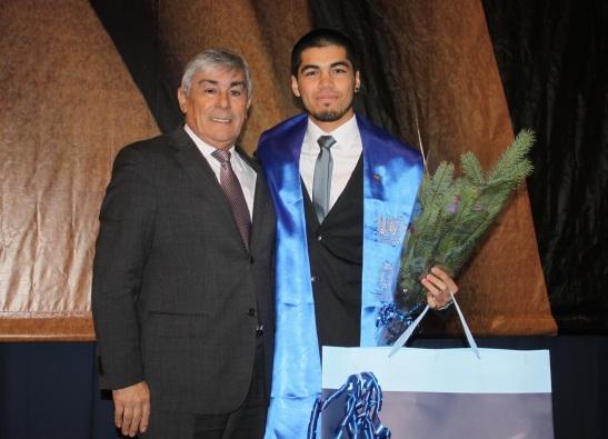 Joaquín Castro Osorio, alumno de la carrera de Diseño Gráfico destacó en la promoción 2013 por su excelencia académica